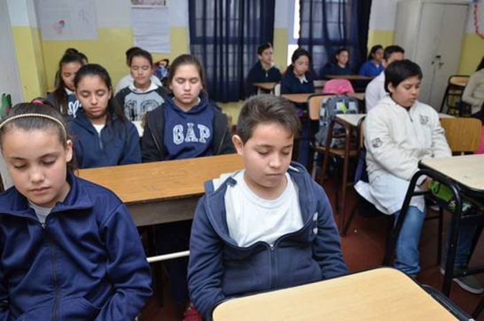 Give workshops on relaxation and meditation in the schools of San Luis - M24 Digital 1