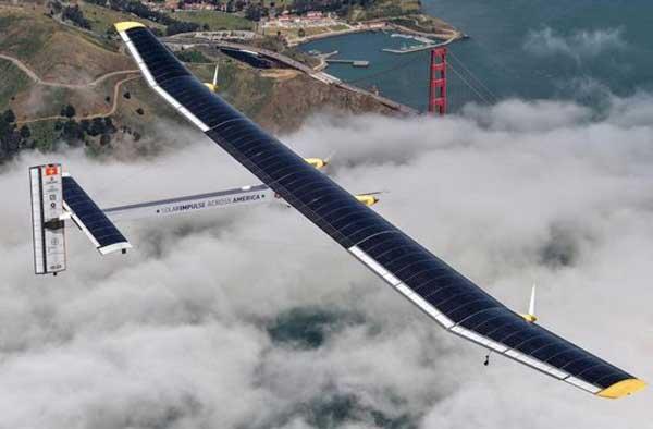 Avión impulsado por energía solar cumple ...
